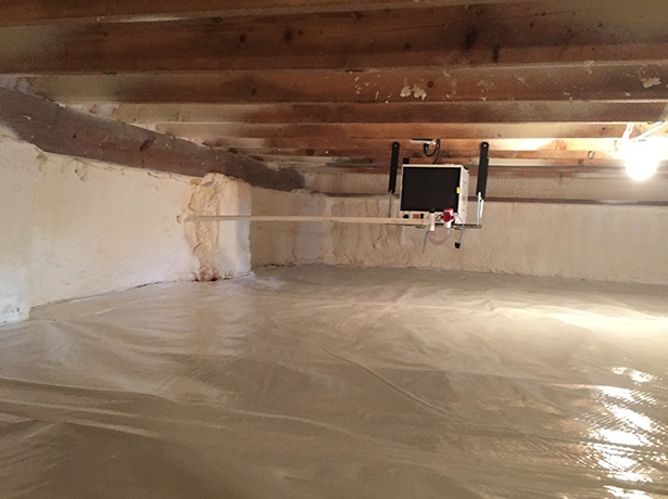 Spray foam in a crawl space